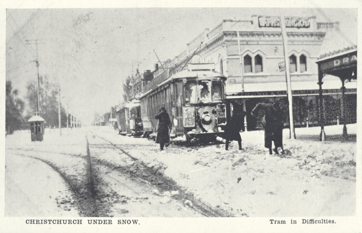 Christchurch under snow  Tram in difficulties