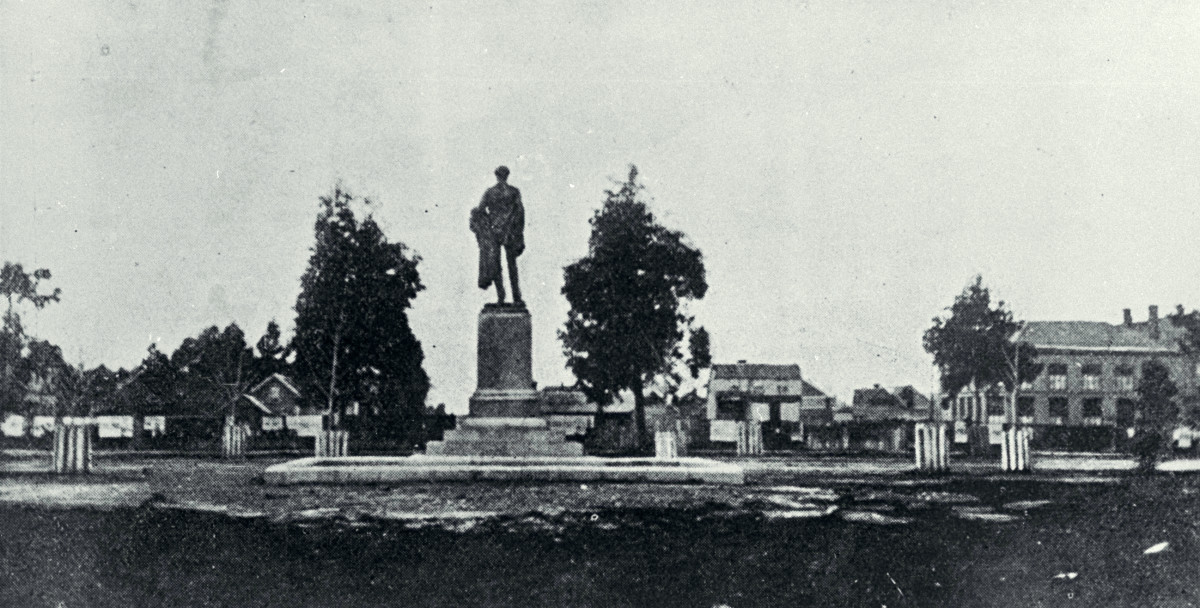 The Godley statue, Cathedral Square, Christchurch Circa 1870