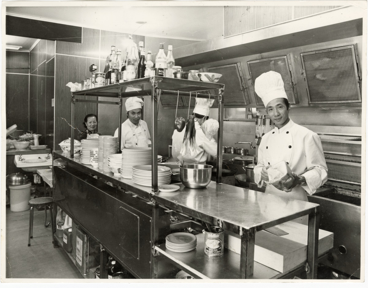 Chefs In The Kitchen Of Chung Wah I Discoverywall Nz
