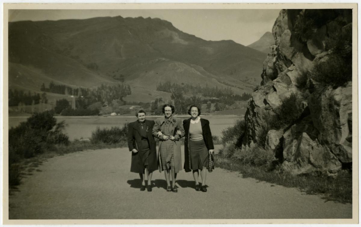 Walking the Sumner- Lyttelton road